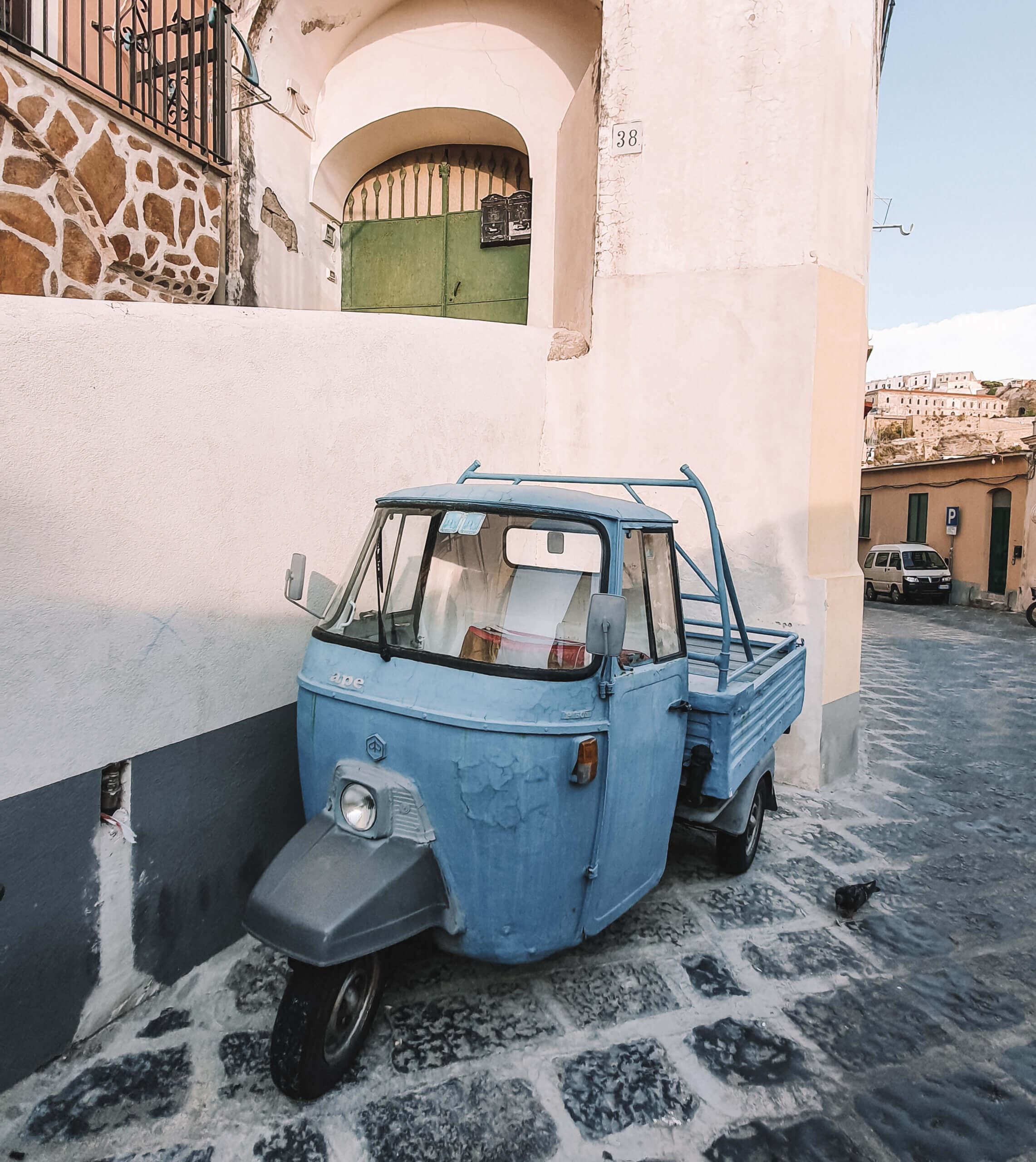 Car Procida - Travel & Gems